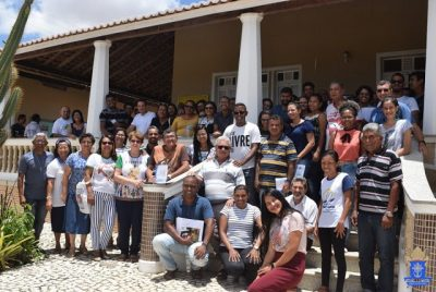 """""""Sal da Terra e Luz do Mundo"""": Diocese de Juazeiro realiza encontro de estudo sobre a missão dos leigos/as na igreja e na sociedade"""