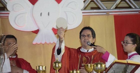 Festa de Pentecostes reúne fiéis para celebrar a Vinda do Espírito Santo em Juazeiro