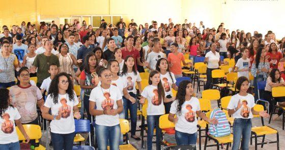 Centenas de crianças e adolescentes da Diocese de Juazeiro reúnem-se em torno da importância do servir