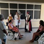 Bispo Dom Beto Breis visita e abençoa Hospitais de Juazeiro no Domingo de Páscoa